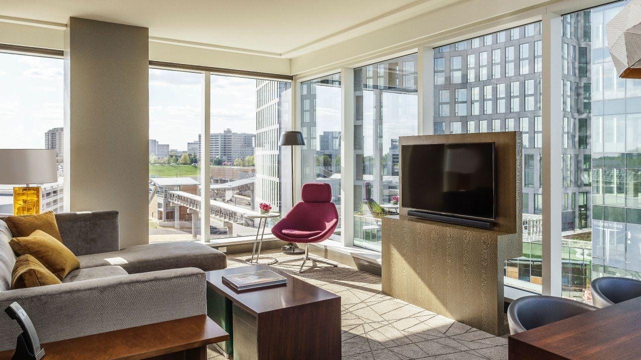 Hyatt-Regency-Tysons-Corner-Center-P066-Regency-Suite-Living-Room.16x9.adapt.1280.720